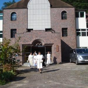 visita-priora-genera-septiembre-2014-corea-3